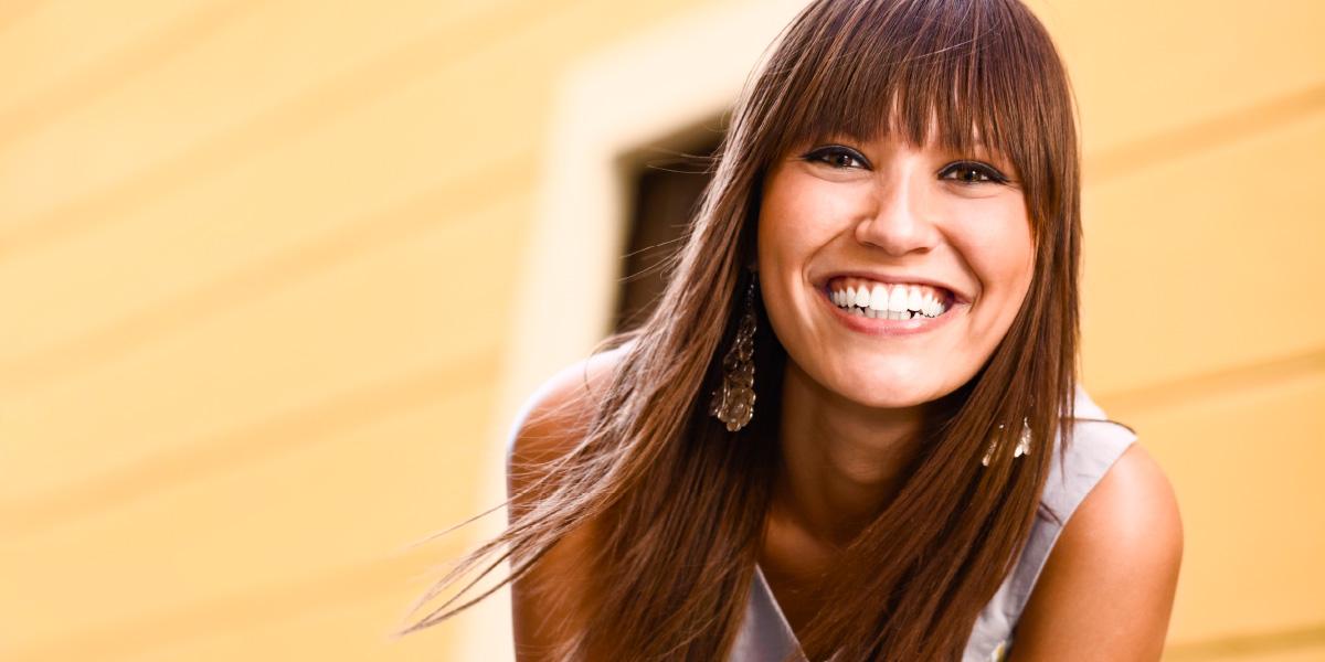 Parodontalbehandlungen in Bozen, Südtirol bei Zahnarzt Dr. Thomas Wächter. Parodontitis Behandlung für ein schönes Lächeln, gepflegte Zähne und ein gesundes Zahnfleisch.
