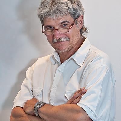 Dr. Thomas Wächter –Zahnarzt: Sorgfältige Untersuchung und umfassende Beratung der Patienten in Bozen, Südtirol