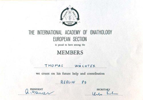 1989-Zertifikat-Funktionelle-Zahnheilkunde-Certificato-Odontoiatria-Funzionale-Berlin-Dr-Thomas-Waechter-Zahnarzt-Odontoiatra-Bozen-Bolzano